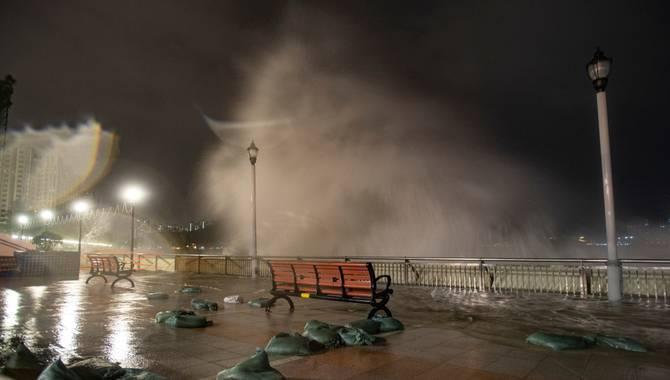 Typhoon Mangkhut Brings Gaming To A Halt in Macau